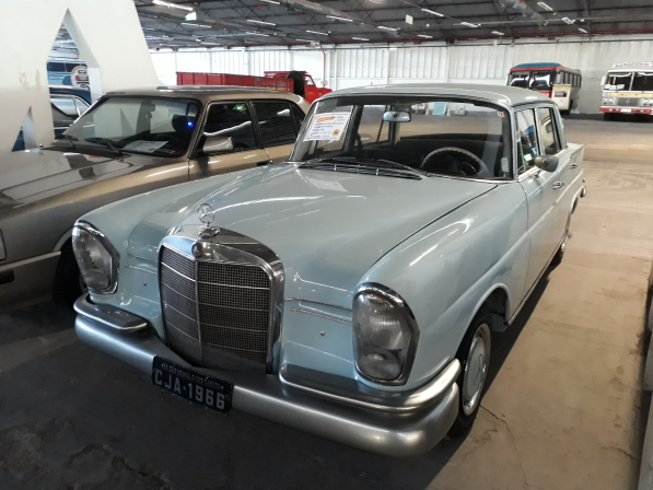 Mercedens Benz 230 S